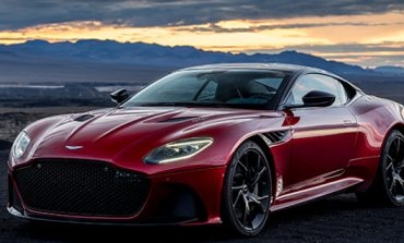 Aston Martin si cappotta al primo test di Borsa