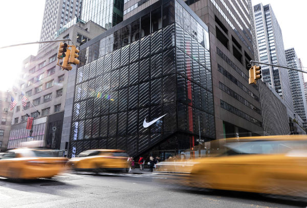 Chiusi gli store di Nike e Apple nel mondo - Pambianconews notizie