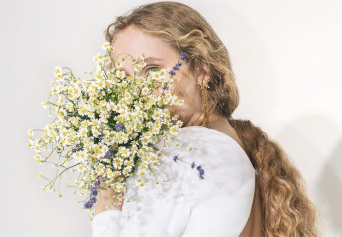 Stella McCartney lancia gli abiti da sposa