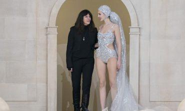 Dopo Lagerfeld, passa a Viard la guida di Chanel