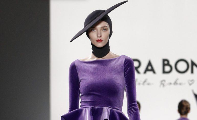 Chiara Boni La Petite Robe introduce la maglieria