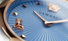 Audrey Versace protagonista del nuovo orologio della Medusa