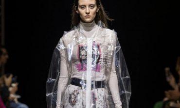 3ebe885a103070 Fashion Haining torna a Milano con Zlfzss