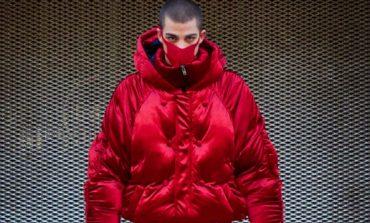Yezael scalda i motori per Milano Moda Uomo