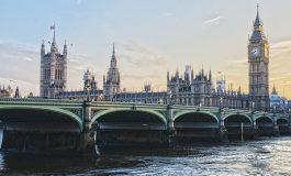 Uk, il parlamento insiste: moda ancora nel mirino
