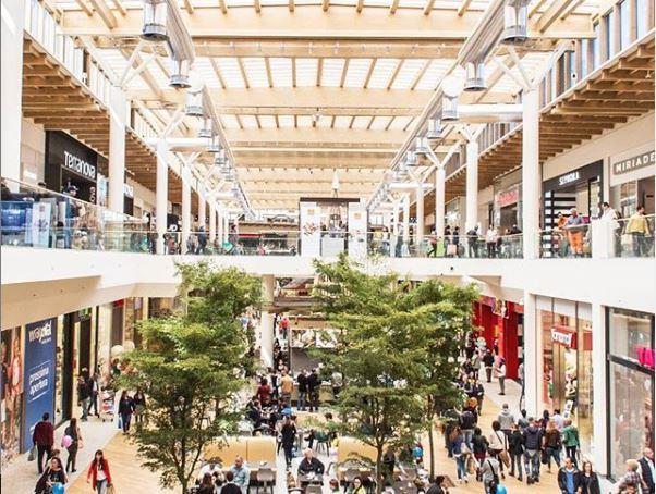 Shopping del 1° gennaio: i (pochi) negozi e supermercati ...