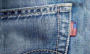 In America è corsa all'oro dei Jeans. Oltre all'Ipo di Levi's  i big della moda Usa si ristrutturano in chiave denim
