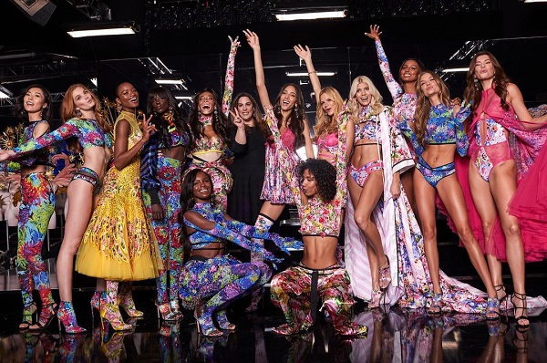 Fine di un'epoca: gli angeli di Victoria's Secret non sfilano più