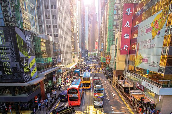 Che ne sarà di Hong Kong? Il lusso ora punta dritto alla Cina