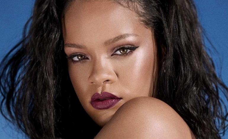 Rihanna ti sequestra il cellulare durante la sfilata