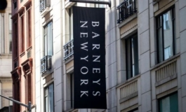 Authentic Brands offre 271 mln $ per Barneys