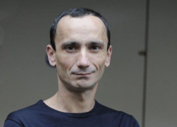 Moda francese, Carreira aiuterà gli emergenti
