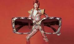 Gli occhiali di Etnia Barcelona splendono con David Bowie