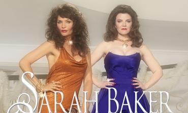 Versace festeggia il Natale col magazine 'Baroness'