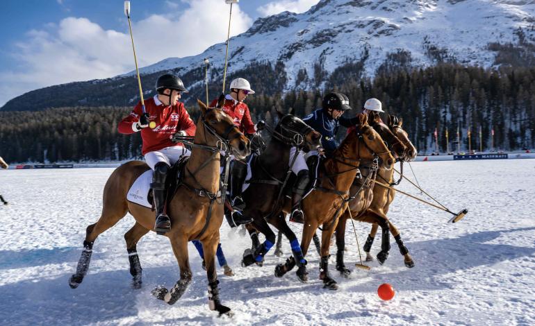 La Martina, una capsule per lo Snow Polo World Cup