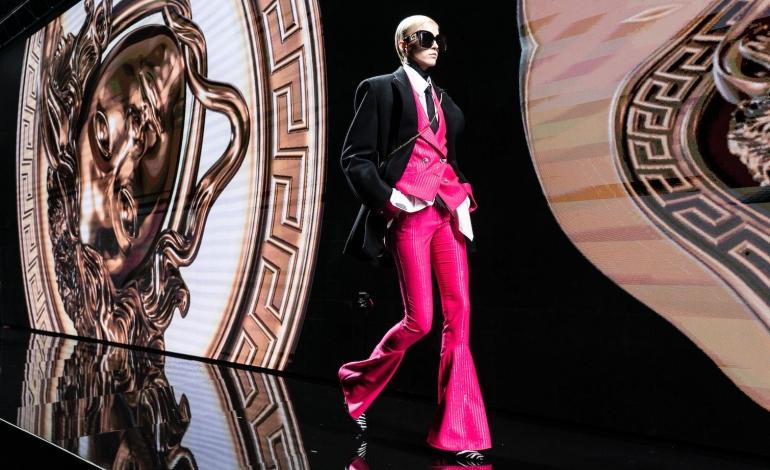 Capri Holdings vede crollo del 70%. E il debito (per Versace) fa paura