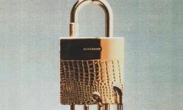 Givenchy, lucchetti come teaser del nuovo corso