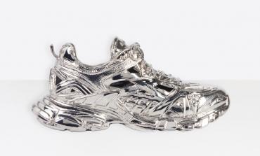 Balenciaga ricopre di ottone la sneaker