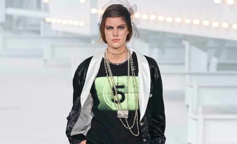 Il Covid non ferma le pre-fall di Chanel e Dior. Si va online (o a Pechino)