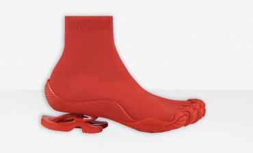 Balenciaga stupisce (di nuovo) con scarpe-design